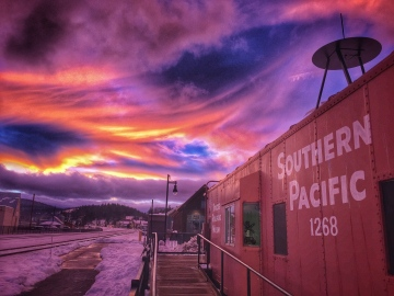 Downtown Truckee '15 - crazy sunset that drew people outside from stores and businesses